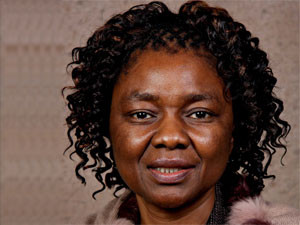 DTPS deputy minister Hlengiwe Mkhize believes it is essential to make sure women are e-literate as government moves towards SA Connect.