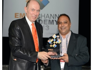 From left to right: Frederic Simard, Managing Partner Distree Events, Mohamed Cassim, CEO of Esquire Technologies.