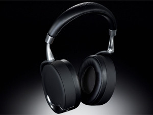 The headphones offer decent sound out the box, with truly good quality obtainable with some fine-tuning.