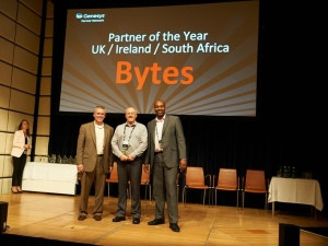 West McMullin (centre) receiving the award from Dave York (Senior VP for Global Channels) and Keith Wilkinson (VP - UKI & SEA)