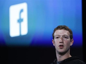 WhatsApp is on track to connect a billion people, says Facebook CEO and founder Mark Zuckerberg.