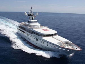 The White Rose of Drachs super yacht used in the experiment. (Photograph by The University of Texas at Austin)