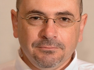 Tom Scholtz specialises in information security policy design, security organisational dynamics, and security management processes.