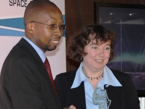 SANSA CEO Dr Malinga and SANSA MD Dr Lee-Anne McKinnell during the Radar unveiling ceremony.