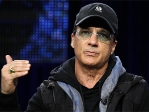 Beats co-founder Jimmy Iovine arrives at Apple as new online music streaming services gain popularity.