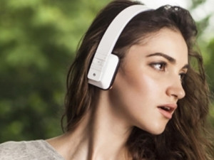The new iPhone 7 is rumoured to have no headphone jack, forcing users to make use of Bluetooth headphones.