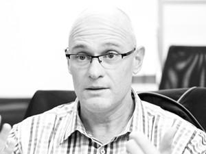 Dave Ives, director, Karabina.