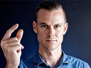 Dirk Prinsloo, Intervate.