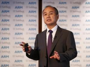 SoftBank Group CEO Masayoshi Son says the company will work with Honda to create cars that read emotion.