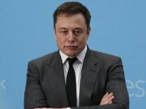 It makes sense to raise capital to reduce risk, says Tesla CEO Elon Musk.
