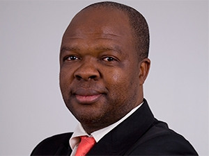 A cloud of controversy hangs over new SARS acting chief officer Kgabo Hlahla.