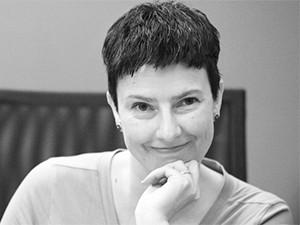Lise Hagen, Plume