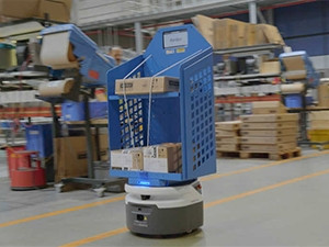 Mobile robots work alongside DHL warehouse staff   ITWeb