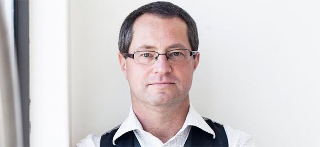 Dobek Pater, Africa Analysis