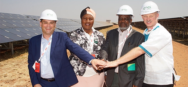 From left: Lamberto Dai Pra', Enel's head of Sub-Saharan Africa, Asia and Australia; Francina Shongoane, community representative; John Motebele, regional councillor; and William Price, Enel's country head.