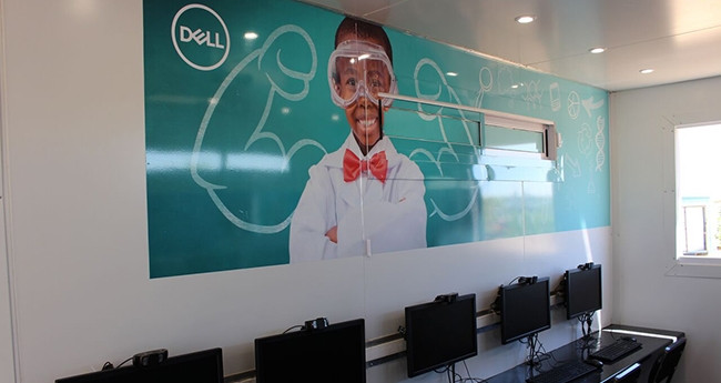 The Diepsloot lab is furnished with Dell's Wyse thin client computers.