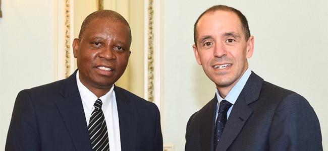 Joburg mayor Herman Mashaba and Airbnb head of policy Chris Lehane.