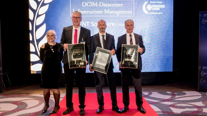 "Second place (Gold) for Rittal in the ""DCIM"" category: Thorsten Weller (second from left), Product Management IT at Rittal received the Readers' Choice Award."