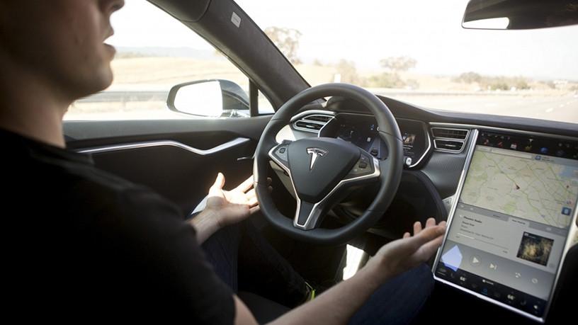 Blackberry and Baidu will start work on elf-driving car technology.