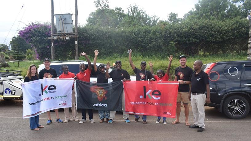 The .ke team welcomes .africa team to Kenya at the Oloitoktok border.