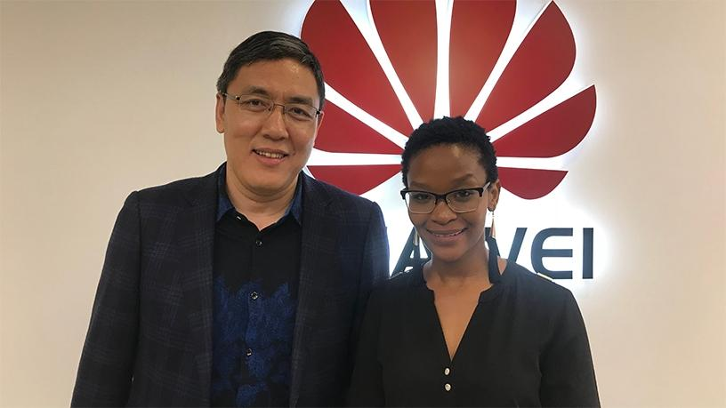 Huawei consumer cloud representatives Su Jie and Mosa Hlobelo.