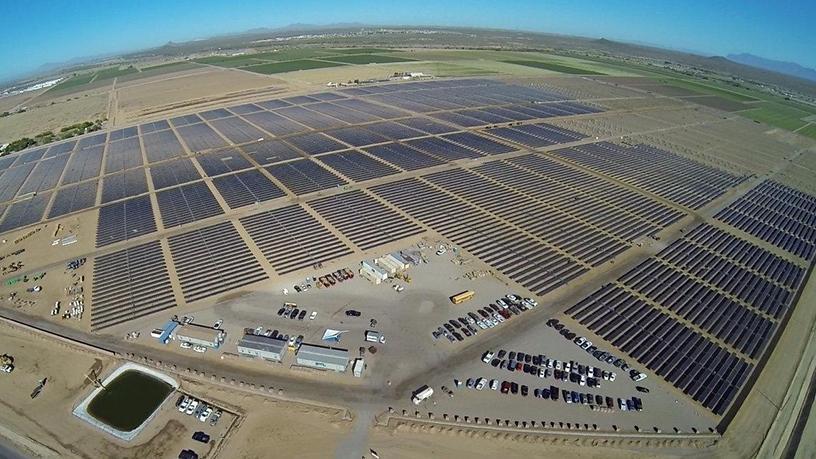 Apple's 50MW solar farm, east of Apple's data centre in Mesa, Arizona.