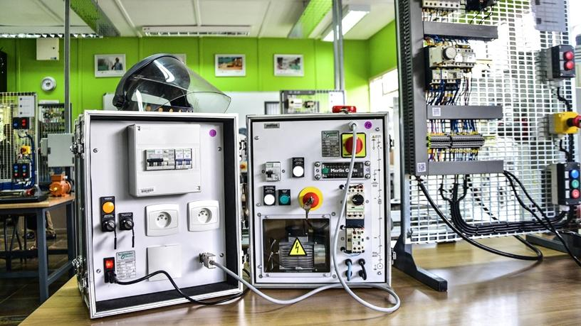 SE training electrical engineering students in automation | ITWeb