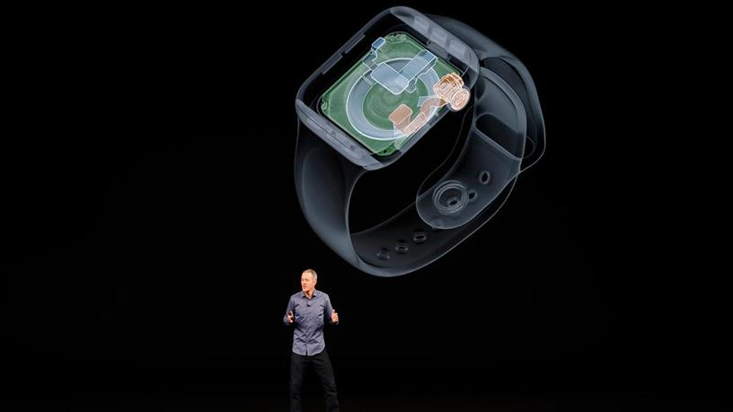 Apple COO Jeff Williams introduces the new Apple Watch Series 4.