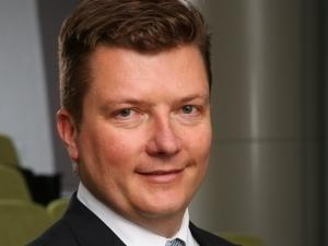 Maeson Maherry, Chief Digital Officer, Etion