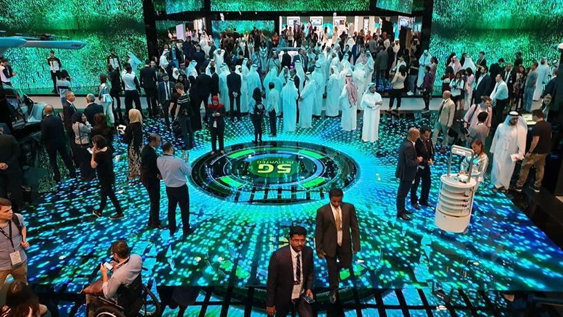 Dubai-based telco Etisalat showcased a live download speed comparison between 4G and 5G live networks, as well as other emerging technologies that will be made possible with the implementation of 5G.