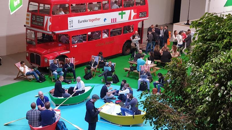 The working areas scattered around the expo centre were designed to reflect areas of London, where attendees could catch up on their e-mails in a faux rowing boat or red double-decker bus.